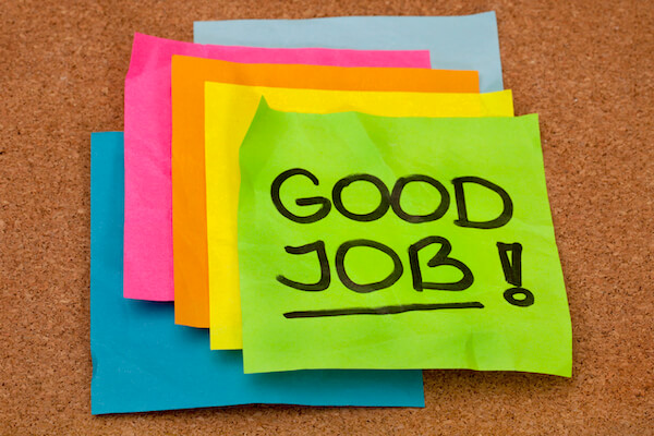 """""""good job"""" post-it for employee recognition"""