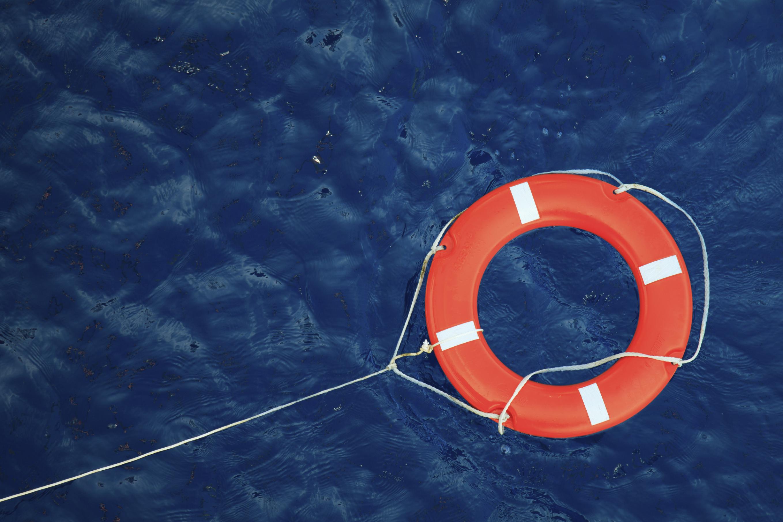 keep employees afloat by extending onboarding programs