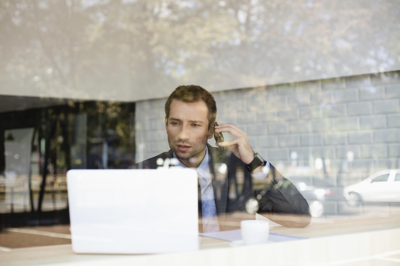 millennial working on a flexible schedule