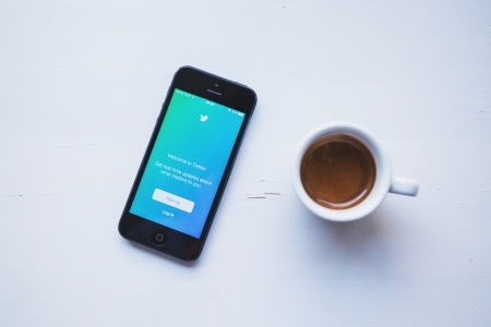 How to Build Your Personal Network Through Social Media by TINYpulse