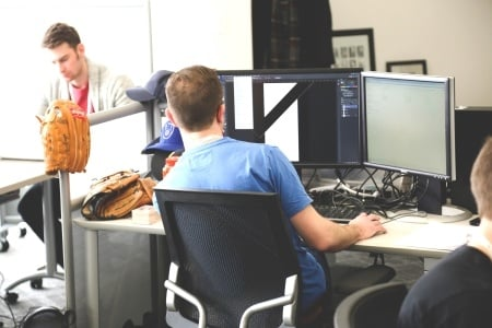 The Benefits and Drawbacks of Open Offices by TINYpulse