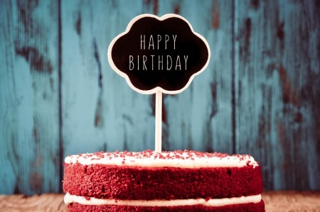 7 Fun Ways to Celebrate an Employee's Birthday at Work by TINYpulse